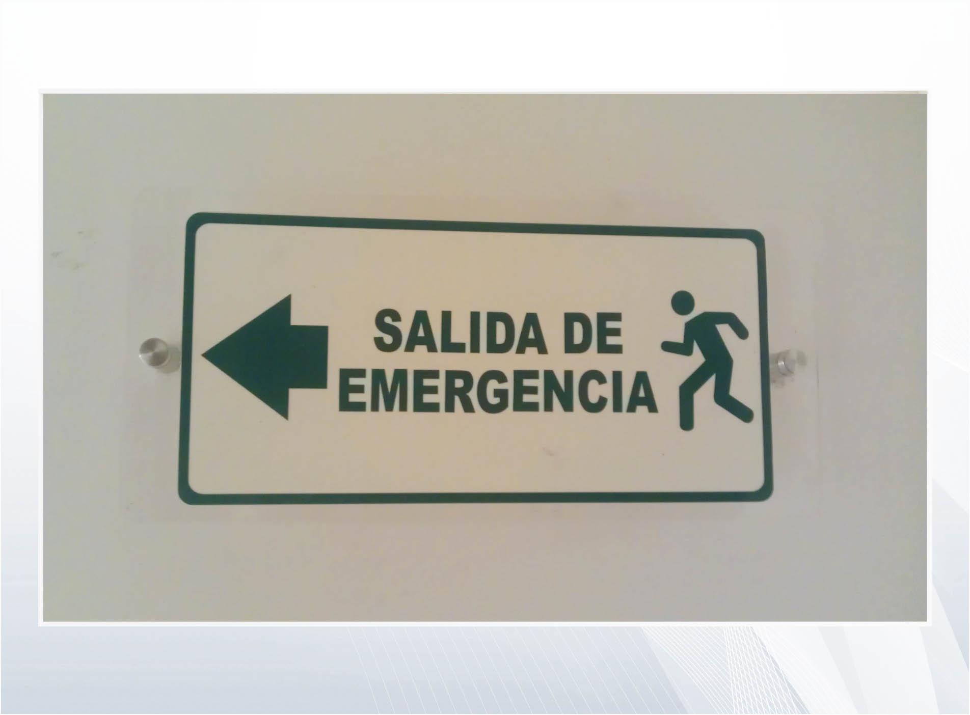 ruta_evacuación_acrílico_vinilo_fotoluminiscente_brc_ggcm