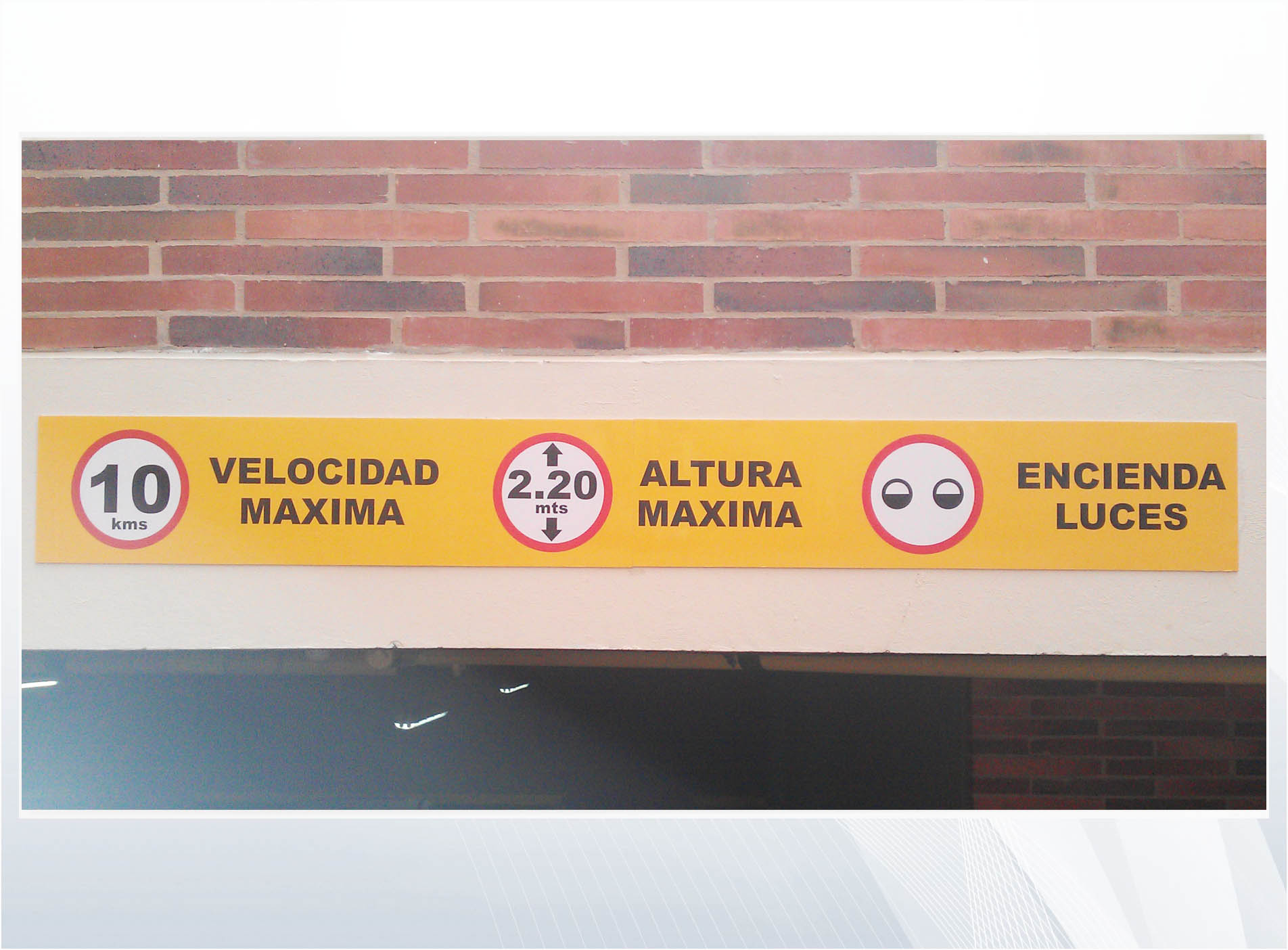 señal_parqueadero_poliestireno_vinilo_reflectivo_ggcm